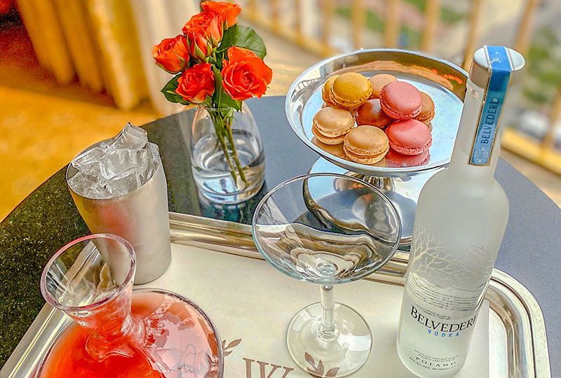 Westgate Hotel - La Vie En Rose AmenityShake things up with this Macaroons & cocktail package and start your stay the sweet way. Includes: A 375 ml bottle of Belvedere Vodka, a Cosmopolitan mix, and a box of 6 Macaroons $136